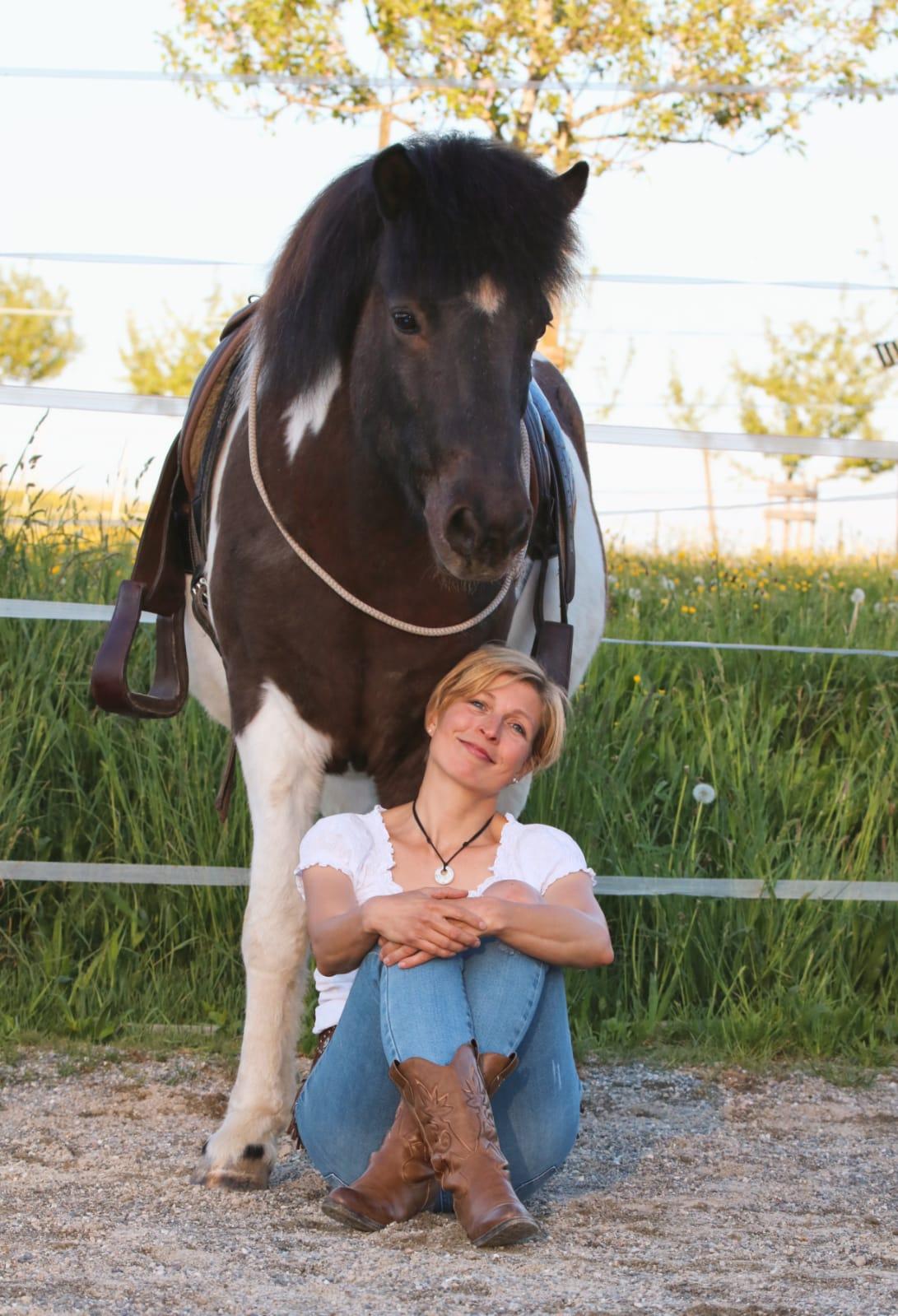 Iris PFender mit Pferd