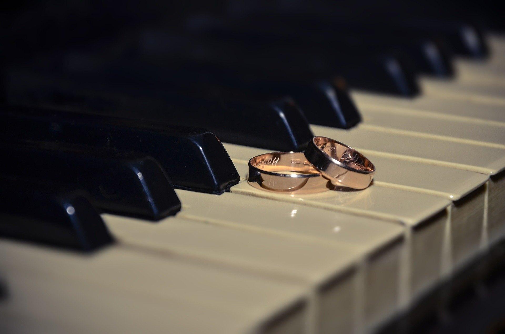 Klavier Ring Hochzeit pixabay frei
