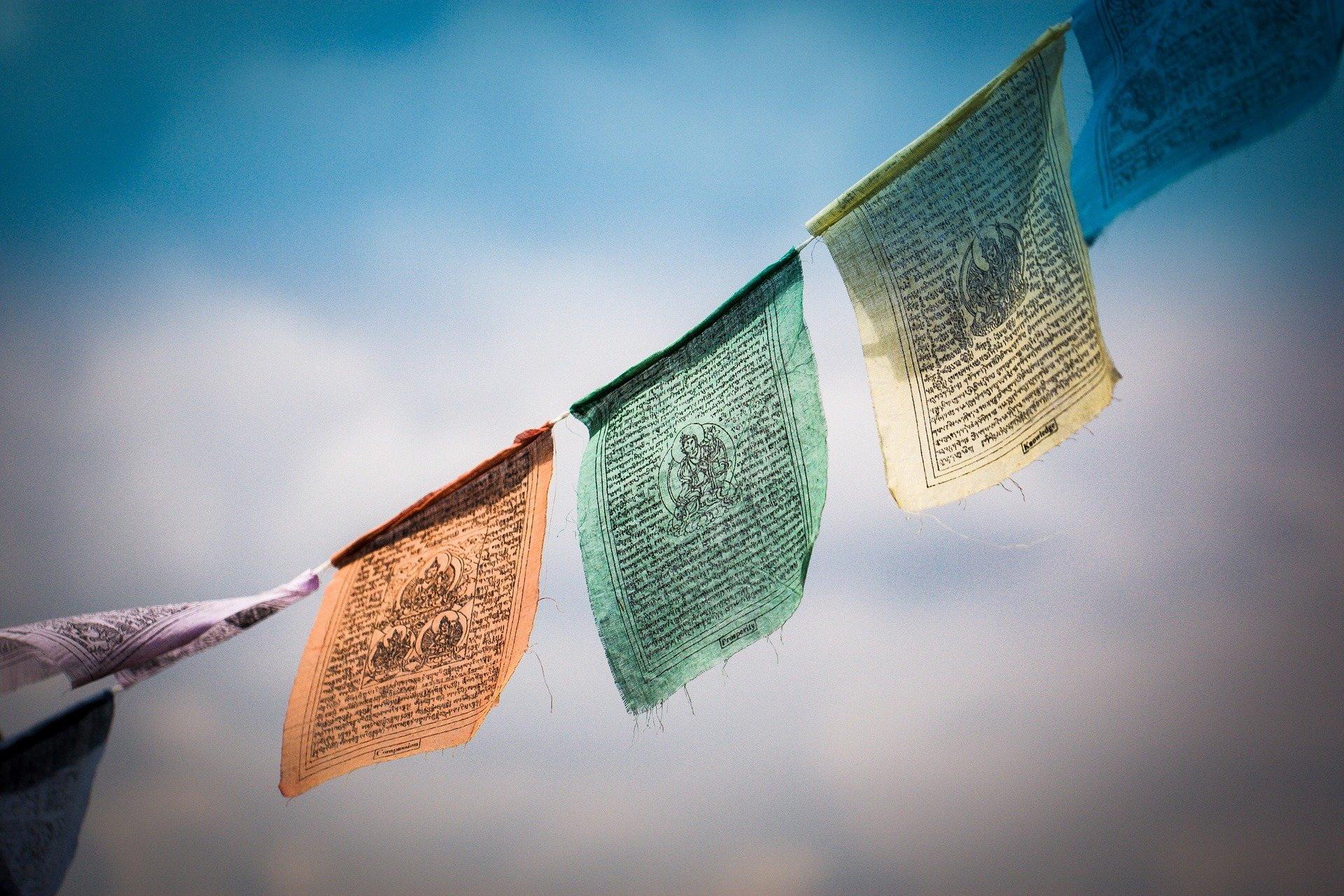 Tibetische Gebetsfahnen freie pixabay